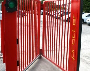 Bi-fold Gate GT013